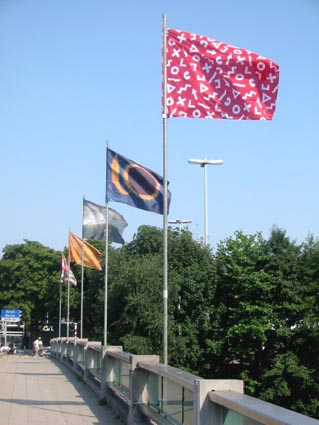 World Wide Flags – Drapeaux d'Artistes 2003